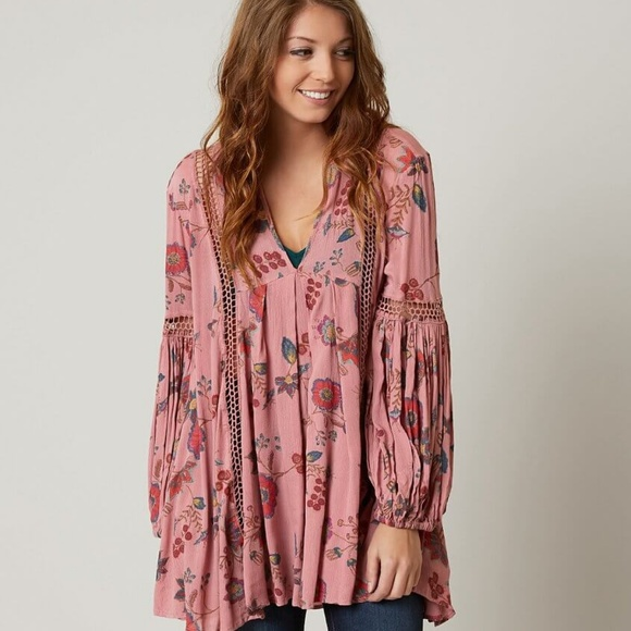 d4b911a7ba1 Free People Tops   Just The Two Of Us Floral Tunic M   Poshmark